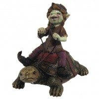 Figurine Pixie sur tortue de course