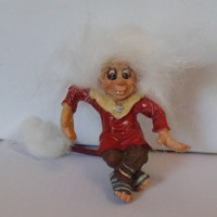 figurine troll long tail